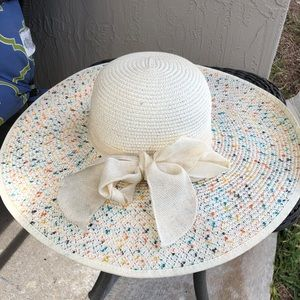 Floppy White Hat Bow Rainbow Speckled Paper